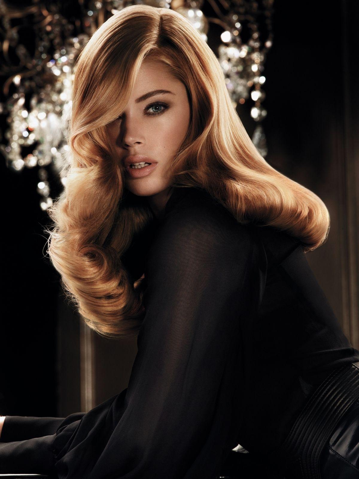 Aj po domácom farbení môžu vaše vlasy vyzerať ako z kaderníckeho salónu. Treba len vybrať vhodný produkt a odtieň, dodržiavať postup a správne vlasy ošetrovať.