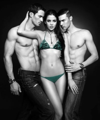 Road to Miss Slovensko 2013 - meet the contestants - Page 2 Miss-slovensko-2013-plavky-sexi-foto-barbora-lucivjanska-galeria