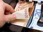 peniaze, euro, výplata, dane, odvody, obchod
