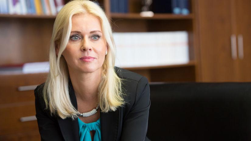 Štátna tajomníčka Jankovská mala zobrať úplatok. Ona obvinenia odmieta - Domáce - Správy - Pravda.sk