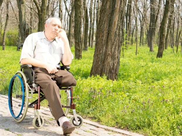 invalid, invalidný, postihnutý, vozík, vozíček, vozíčkar