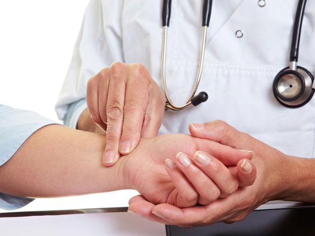http://hrvatskifokus-2021.ga/wp-content/uploads/2016/04/lekar-vysetrenie-krv-tlak-pacient-doktor-nestandard2.jpg