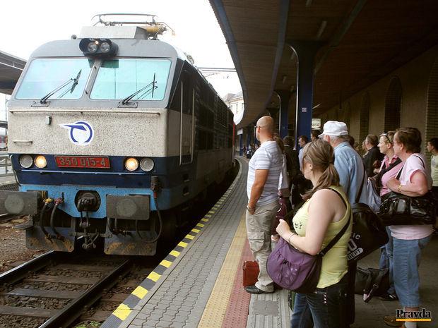 Stanica, vlak, železnice
