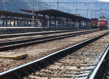 železnice, koľajnice, vlak