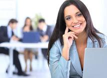 žena v práci, pracujúca žena