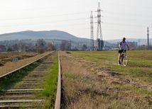 vrbové, cyklotrasy, železnica, kolaje, cyklo,