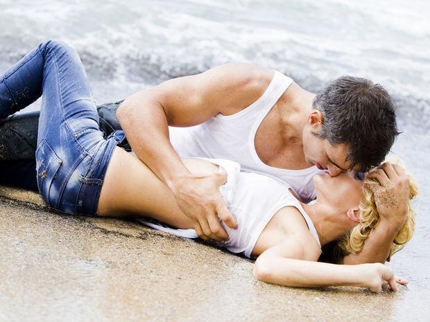 Общение после секса помогает парам сблизиться.
