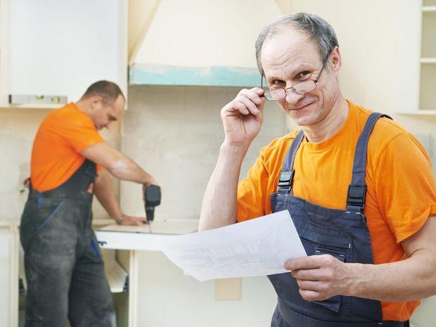 pracujúci, dôchodca, zamestnanec