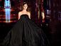 Modelka v kreácii od Fera Mikloška na prehliadke Orange Fashion Show 2013.