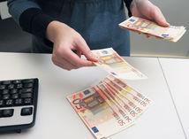 euro, bankovky, peniaze, mzda