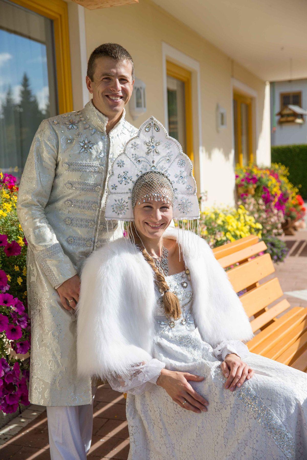 Manželia Kuzminovci sa v rakúskom Ramsau prezliekli do kostýmov z ruského filmu Nastenka.