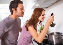 varenie - ochutnávanie - jedlo - maškrtenie