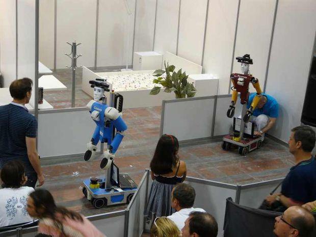 Predvádzanie robotov na RoboCupe Junior v roku 2011.