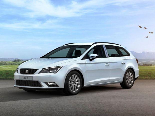 Nový Leon ST patrí nepochybne k najkrajším kombíkom na trhu. V porovnaní s päťdverovým hatchbackom je dlhší o 272 mm.