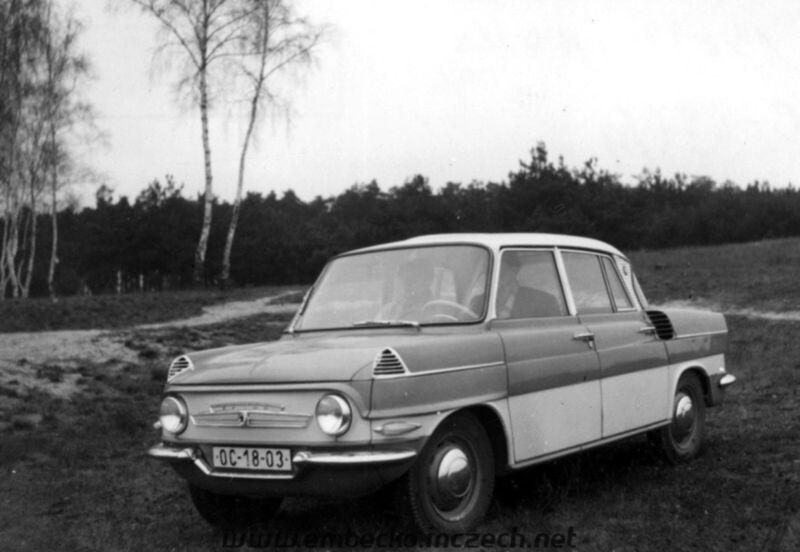 Už koncom päťdesiatych rokov vzniklo viacero prototypov. Mali motor vpredu aj vzadu ale aj vodné či vzduchové chladenie.