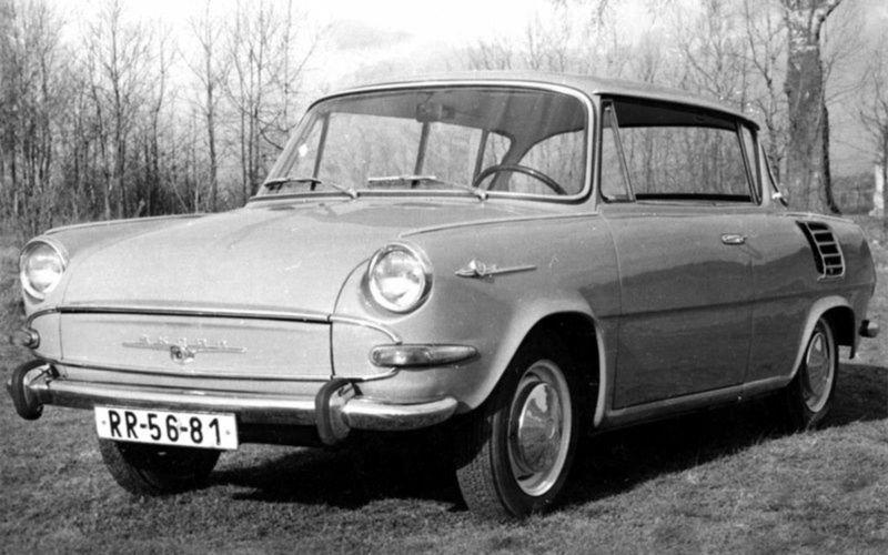 Skutočným klenotom histórie Škody 1000 je séria 2 500 vyrobených kupé MBX. Okrem dvojdverovej karosérie s bezrámovou konštrukciou štyroch okien ponúkala aj vyšší výkon.