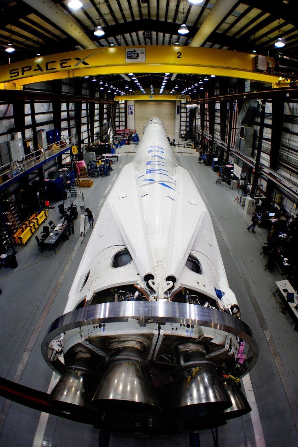 Raketa súkromnej spoločnosti SpaceX, ktorá v pondelok poletí so zásobovaním k Medzinárodnej vesmírnej stanici.