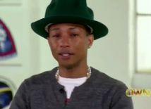 Spevák Pharrell Williams dojatý zostrihom klipov k skladbe Happy.