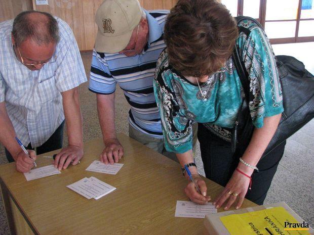 Banskobystričania spojili voľby do europarlamentu s anketou. V nej dostali možnosť vyjadriť svoj názor na niektoré sporné investičné zámery mesta.