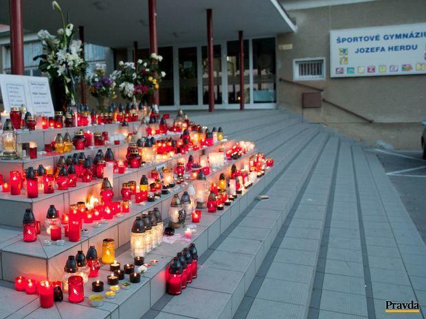 sviečky, nehoda, autobus, študenti, Trnava