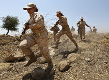 Irak, ženy, bojovníčky, Pešmegrovia, Kurdi, Kurdistan, zbrane, vojačky, výcvik