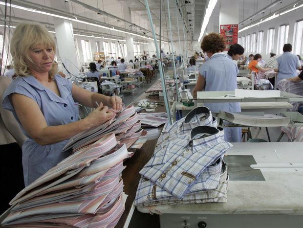práca, fabrika, šičky, košele, dôchodok