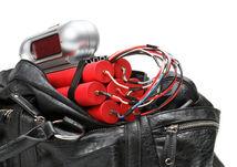 bomba, výbušnina, batožina, explózia, cestovanie, letisko, kontrola batožiny