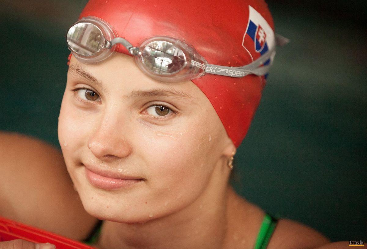 Juniorská reprezentantka v plávaní Barbora Mišendová.