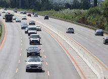 D1, diaľnica, stredný jazdý pruh, vodič