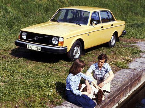 Volvo 240: 'Lietajúca tehla ' má 40 rokov. Najprv sa nepáčila