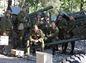 Vojaci v historických uniformách.