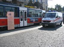 Bratislava: Po zrážke s električkou zomrela 18-ročná žena