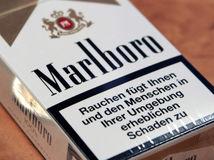 Philip Morris International, cigarety, Marlboro, fajčenie