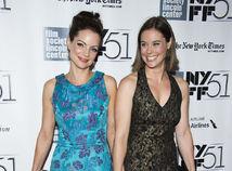 Herečka Ashley Williams (vpravo) so sestrou Kimberly Williams-Paisley.