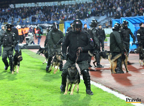 Vyženie násilie na futbale slušných fanúšikov zo štadiónov?