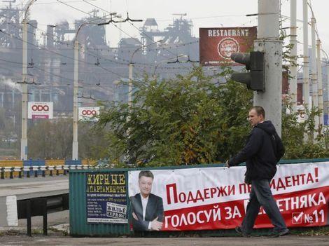 Ukrajinci si vyberajú v hmlovine sľubov