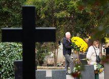 cintorín, hroby, dušičky