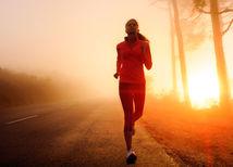 Behanie - ráno - východ slnka - cesta - bežecké topánky