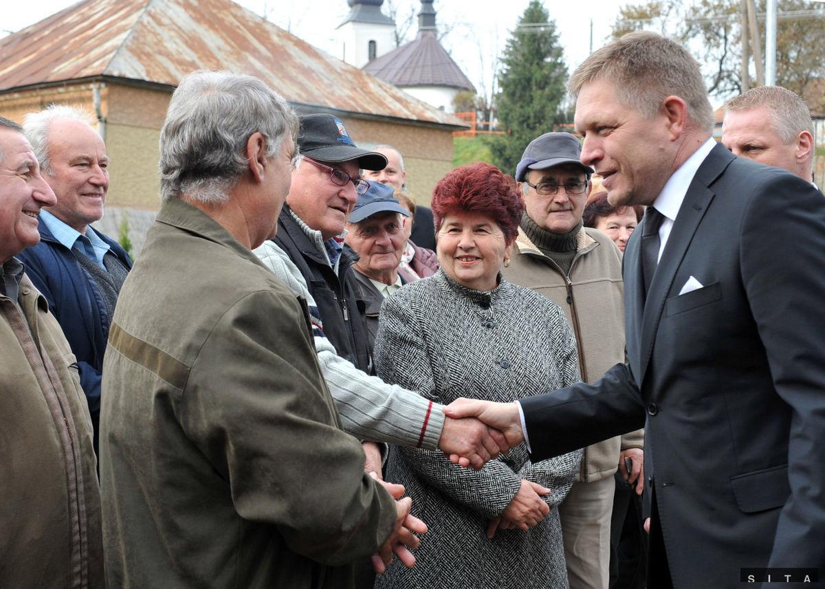 Obyvatelia Uble prišli privítať premiéra Roberta Fica.