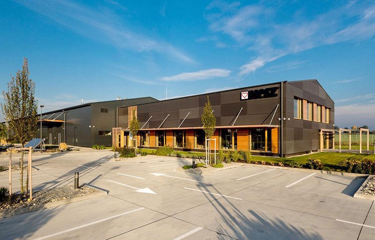 Logistické, administratívne a školiace centrum HERZ Slovensko, Bernolákovo