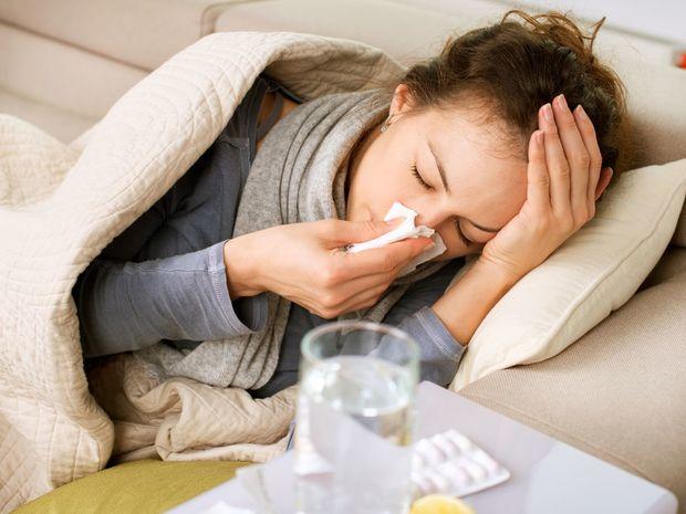 chrípka, kašeľ, prechladnutie, nádcha, sopeľ, choroba, vreckovka, nos