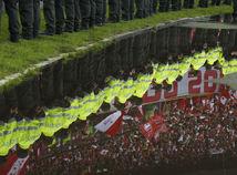 futbal, polícia, fanúšikovia