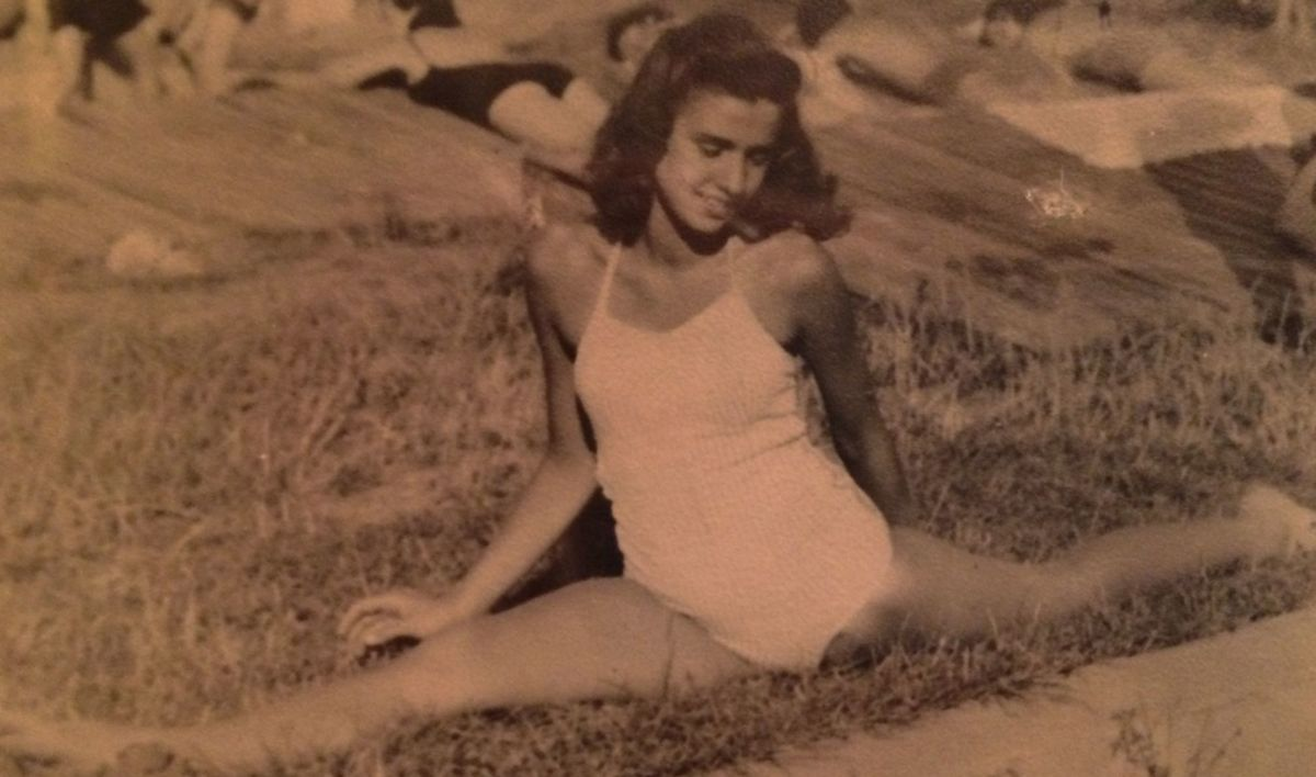 Od štyroch rokov chodila Edith Egerová na balet a neskôr aj na gymnastiku, z oddielu ju vylúčili pre židovský pôvod.
