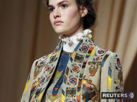 Dokonalosť, ktorá ohúri! Móda couture v Paríži ponúkla kvetinovú rozprávku