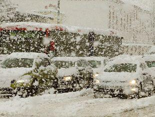 sneh, zima, mráz, kalamita, sneženie, ľad, počasie, vločky, Bratislava, kolaps, doprava