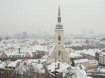 sneh, zima, mráz, kalamita, sneženie, ľad, počasie, vločky, doprava, kamióny, cesta, Bratislava, mesto, Dóm sv. Martina