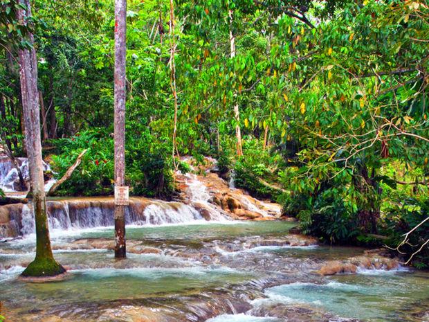 Vodopády na rieke dunn patria medzi najväčšie turistickélákadlo