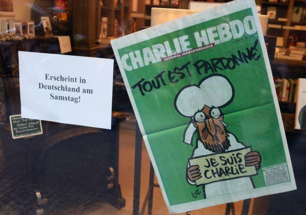 Všetko je odpustené, píše sa na titulke Charlie Hebdo po januárovom tetoristickom útoku.