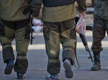 Ukrajina, výmena zajacov, proruskí separatisti, armáda, vojaci, vojsko, ozbrojenci
