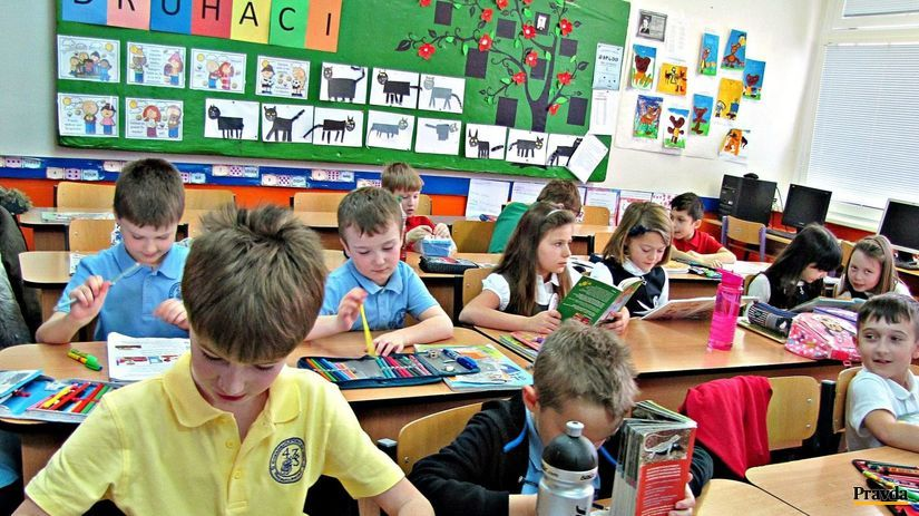 9fe42458c9 Deťom sa školské uniformy páčia